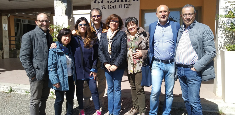 """All'Ipsia """"Galilei"""" di Caltanissetta si conclude il progetto """"Nuoto per tutti"""" dedicato ai ragazzi disabili"""