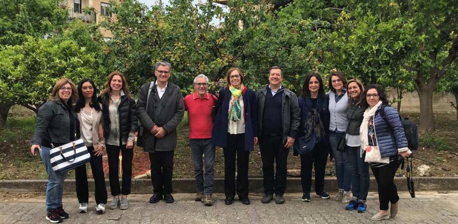 """Caltanissetta, alla scuola """"Rodari"""" l'Orto in Condotta: gli alunni imparano a coltivare i frutti della terra"""