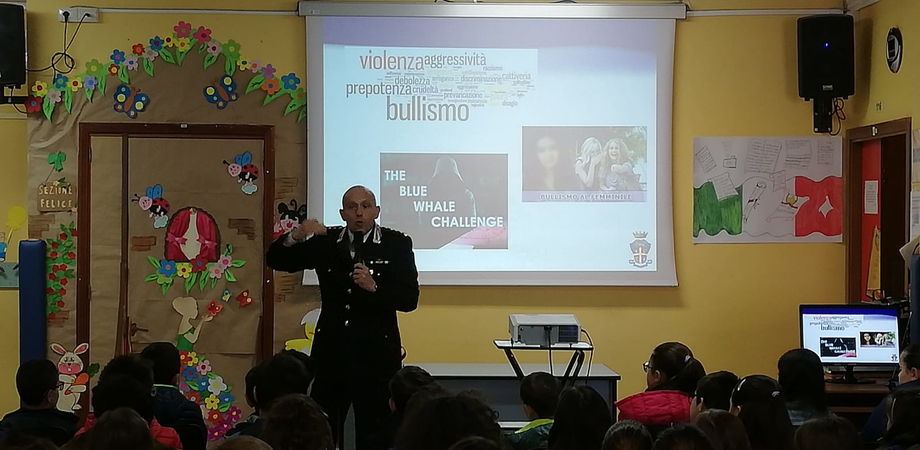 Incontri sulla legalità, alla scuola Sciascia di Caltanissetta confronto fra studenti e carabinieri sul cyberbullismo
