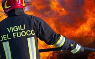 http://www.seguonews.it/caltanissetta-posteggia-per-andare-dal-barbiere-e-lauto-prende-fuoco