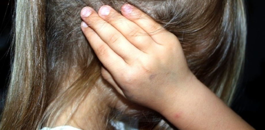 Avrebbe violentato la figlia tredicenne: un arresto a Niscemi. Atti sessuali per un anno