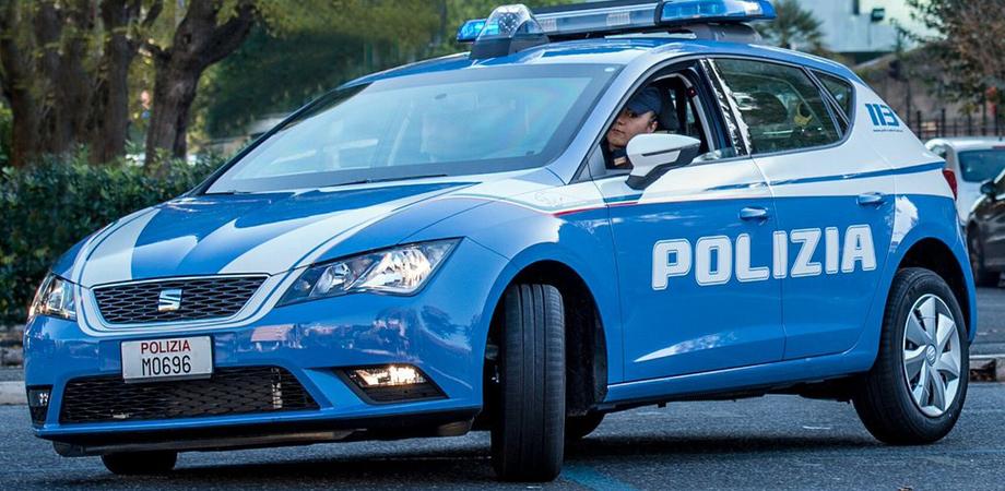 Caltanissetta, giovani a bordo di scooter fuggono all'alt della polizia: due rocamboleschi inseguimenti in città