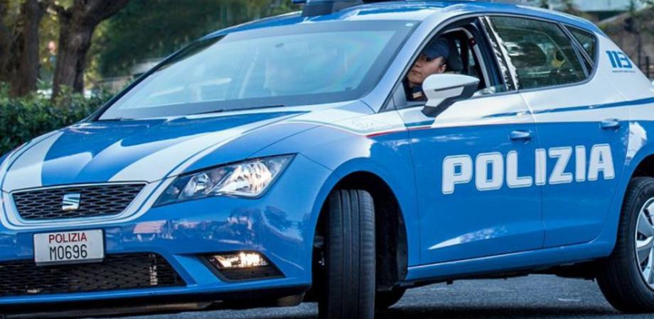 Caltanissetta, pedina e insulta la sua ex e il nuovo compagno: 30enne nisseno arrestato dalla polizia