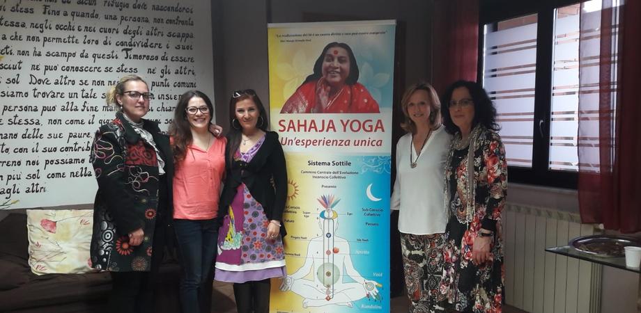"""Caltanissetta, meditazione Sahaja Yoga alla comunità """"La Ginestra"""" per le donne vittime di abusi e dipendenze"""