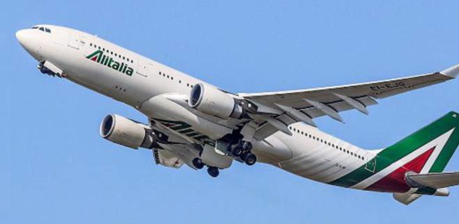 Il volo Roma - Palermo va in over booking: a bordo 180 passeggeri. Proseguono i rientri verso la Sicilia