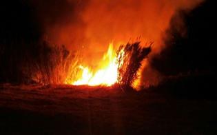 http://www.seguonews.it/sorpreso-con-laccendino-in-mano-ad-incendiare-sterpaglie-denunciato-a-gela-un-piromane