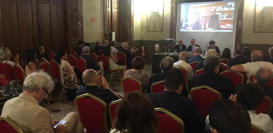 """A Caltanissetta il convegno """"Microcredito alle imprese"""": tanti gli interventi di imprenditori e professionisti"""