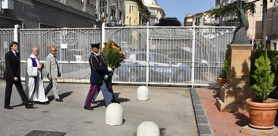 Caltanissetta, i poliziotti della Questura ricordano i colleghi Salvatore Falzone e Michele Pilato