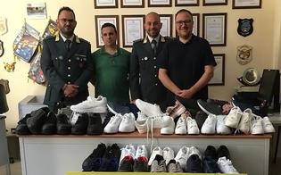 http://www.seguonews.it/caltanissetta-la-guardia-di-finanza-dona-alla-caritas-70-paia-di-scarpe-sequestrate
