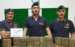 http://www.seguonews.it/in-valigia-con-30-chili-di-droga-arrestata-alle-porte-di-gela-una-donna-palermitana