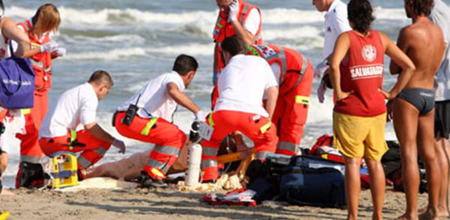 Tragedia a Porto Empedocle, muore annegato un uomo di Caltanissetta