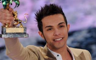 http://www.seguonews.it/arrestato-a-milano-il-cantante-marco-carta-avrebbe-rubato-alla-rinascente-6-magliette-per-1200-euro