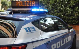 http://www.seguonews.it/caltanissetta-seduto-su-una-panchina-alla-vista-dei-poliziotti-getta-la-marijuana-segnalato