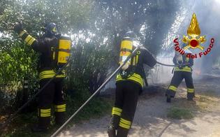 http://www.seguonews.it/gela-vasto-incendio-a-macchitella-tra-la-spiaggia-e-le-abitazioni
