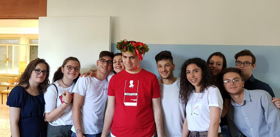 """Ragazzo autistico consegue il diploma all'Alberghiero di Caltanissetta. I genitori: """"Fieri di nostro figlio"""""""
