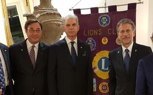 http://www.seguonews.it/lions-club-caltanissetta-passaggio-della-campana-ilnotaio-alfredo-grasso-nuovo-presidente