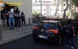 http://www.seguonews.it/la-famiglia-luca-di-gela-proprietaria-dellimmobile-in-cui-ha-sede-la-polizia-di-vittoria-gli-uffici-sono-stati-sequestrati