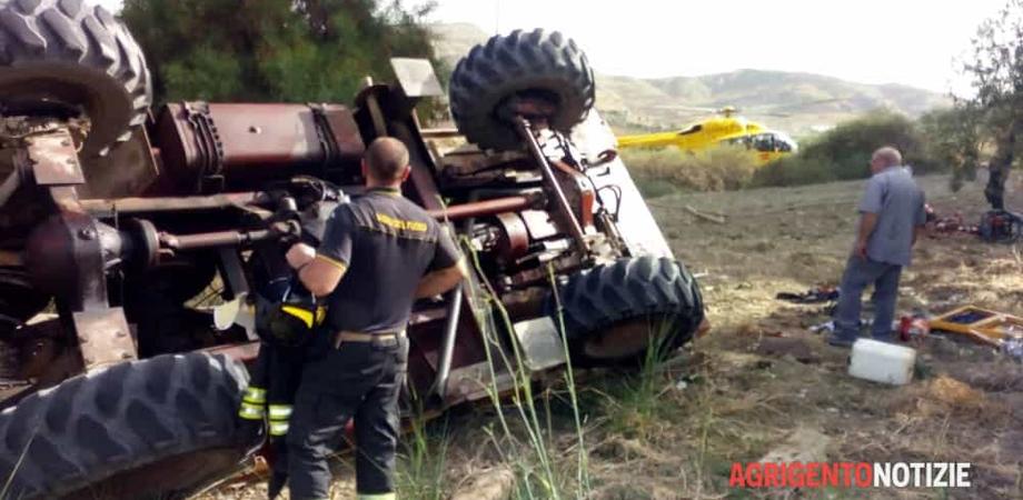Camion sfonda il guardrail e precipita da 15 metri, grave il conducente. Elisoccorso inviato da Caltanissetta