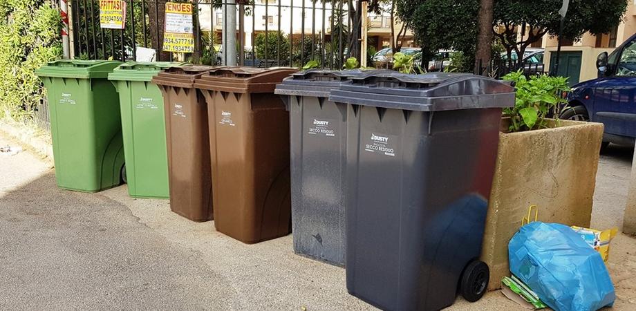 """Caltanissetta, Italia Nostra: """"E la chiamano raccolta differenziata porta a porta"""""""