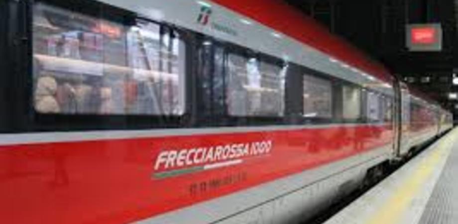 """Cabina elettrica in fiamme, in tilt la linea """"Alta Velocità"""": ritardi per i treni sia da Nord che dal Sud"""