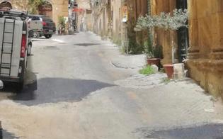 https://www.seguonews.it/caltanissetta-il-comune-ricoperte-le-buche-in-via-lanzirotti