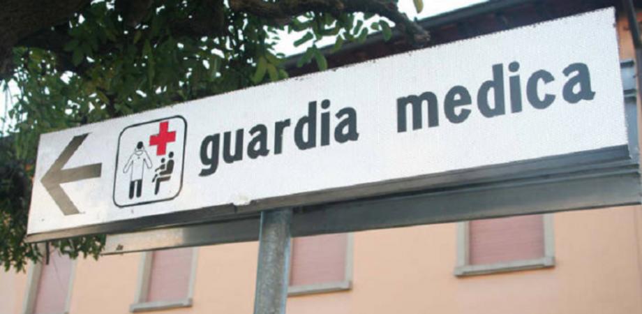 """Sanità, M5S: """"Sicurezza zero in molte guardie mediche siciliane. A Riesi misure inesistenti e in sala d'aspetto trappole per topi"""""""