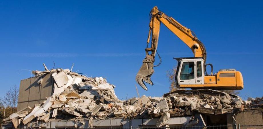 Immobili abusivi da demolire nel nisseno, presto le ruspe entreranno in azione