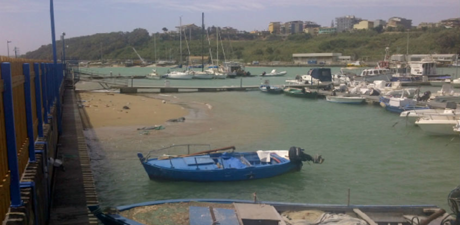 Porto rifugio di Gela in alto mare, iter per il dragaggio da rifare: rabbia e amarezza