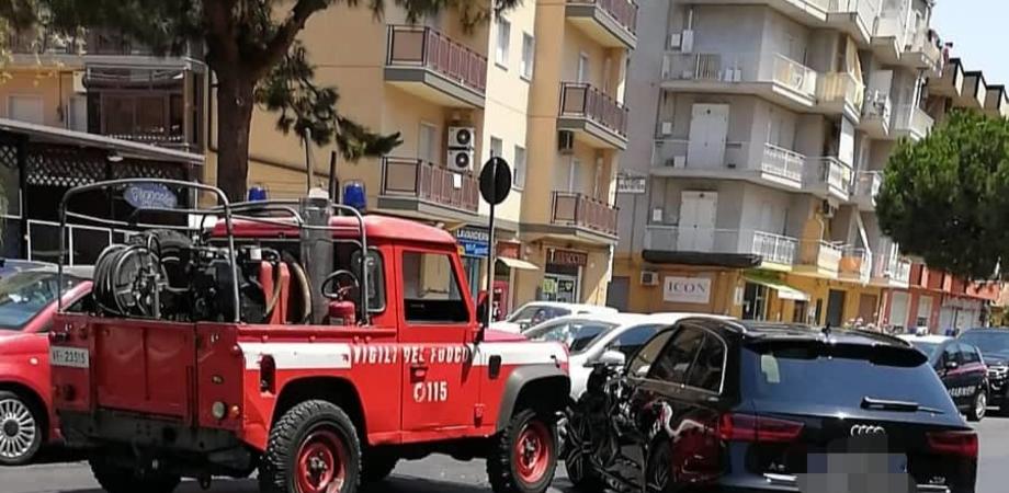 Gela, scontro in via Venezia: auto ferma la corsa dei vigili del fuoco