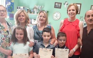 http://www.seguonews.it/mai-un-giorno-di-assenza-durante-lanno-scolastico-premiati-tre-alunni-del-don-milani-di-caltanissetta