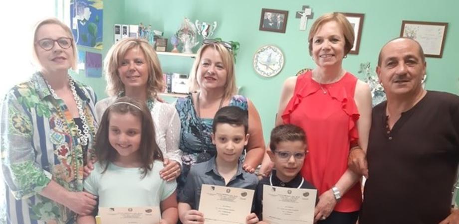 Mai un giorno di assenza durante l'anno scolastico: premiati tre alunni del Don Milani di Caltanissetta