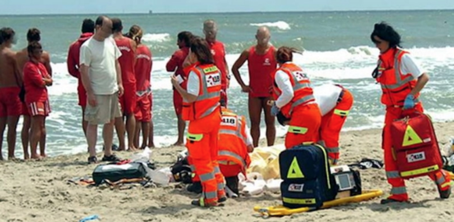 Tragedia in provincia di Messina: diciassettenne si tuffa in mare e muore