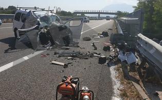 http://www.seguonews.it/tragedia-sullautostrada-famiglia-di-gela-distrutta-in-un-incidente-morti-padre-e-figlio