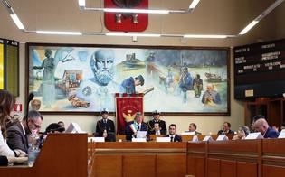 http://www.seguonews.it/gela-indennita-degli-amministratori-ecco-quanto-guadagneranno-sindaco-e-assessori