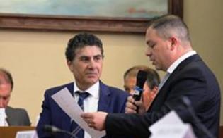http://www.seguonews.it/gela-il-consigliere-comunale-iaglietti-lascia-una-buona-idea-aderira-al-gruppo-misto