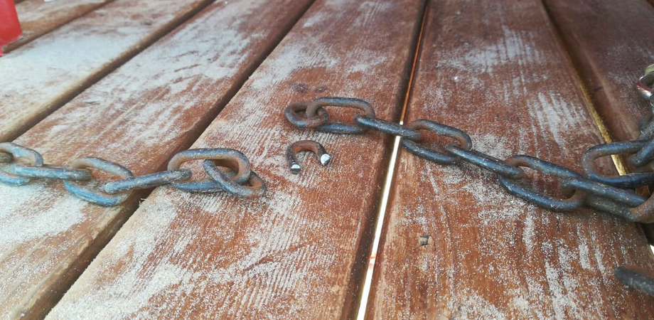 Salvataggio in mare, furto di attrezzature a Gela alla coop. Poseidon: rubati remi e salvagente