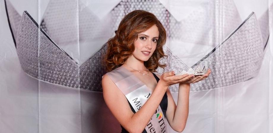 La studentessa gelese Maria Teresa Corso conquista la fascia di Miss Cinema Sicilia