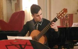 http://www.seguonews.it/concerti-nellatrio-della-scarabelli-a-caltanissetta-il-recital-del-chitarrista-luca-blanco