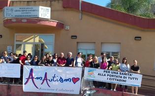 http://www.seguonews.it/a-gela-manca-un-centro-diurno-per-autistici-e-protesta-lasp-stiamo-lavorando-per-la-sua-apertura