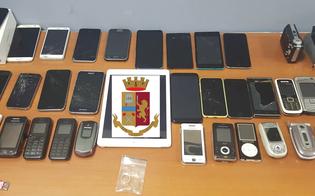 http://www.seguonews.it/caltanissetta-ricercato-nigeriano-sfuggito-ai-poliziotti-nella-sua-abitazione-droga-e-34-cellulari