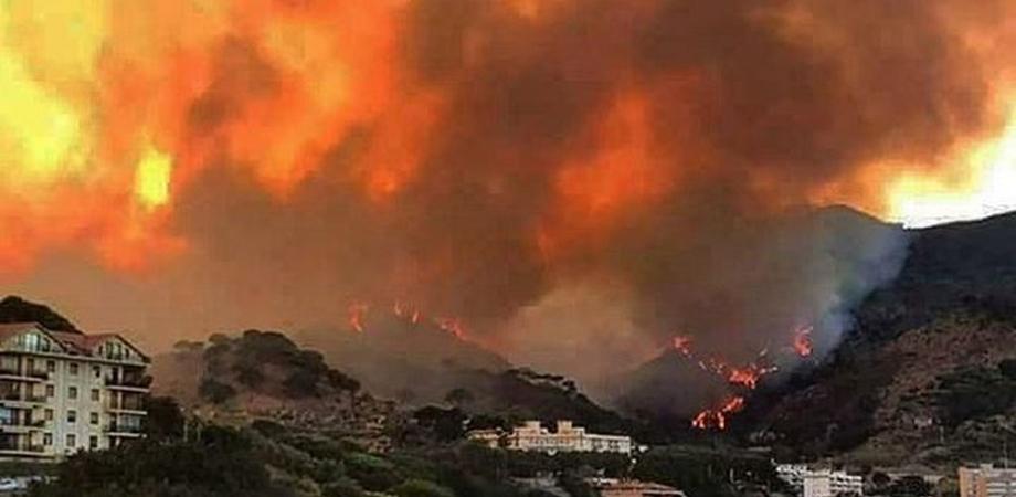 """M5S all'Ars:""""Gli incendi sono una delle emergenze principali della Sicilia e come tali vanno trattati: Musumeci ne prenda atto"""