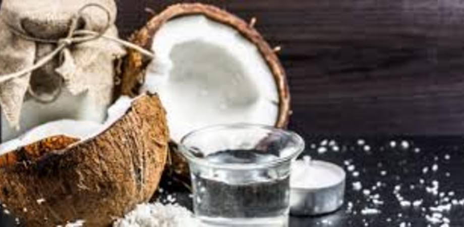 """Ritirato dalla vendita olio di cocco Paras. Può provocare un """"rischio per la salute"""""""
