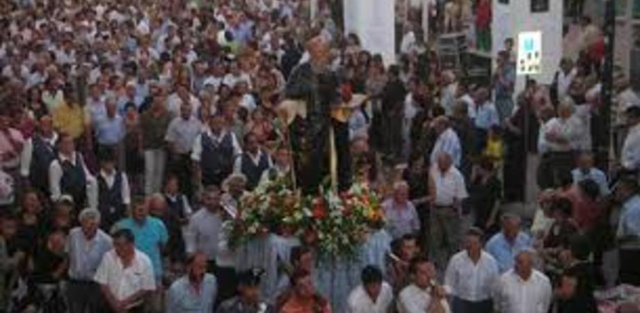 Milena celebra la festa di Sant'Antonio Abate, un appuntamento fra fede e folclore