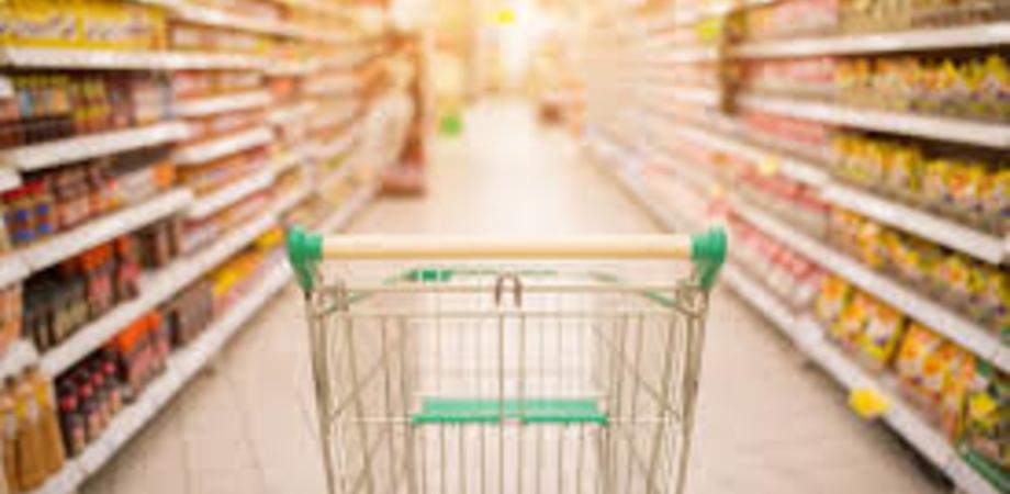 Travolta dalla porta scorrevole del supermercato: anziana di San Cataldo ottiene risarcimento da 45 mila euro