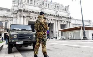 http://www.seguonews.it/pugnala-militare-davanti-la-stazione-centrale-di-milano-arrestato-urla-allah-akbar