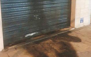http://www.seguonews.it/gela-attentato-incendiario-al-bar-lory-e-il-terzo-in-pochi-mesi-danneggiata-la-saracinesca