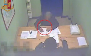 http://www.seguonews.it/mafia-a-gela-lavvocato-uomo-di-fiducia-del-boss-pizzini-in-carcere-i-nomi-dei-quattro-arrestati