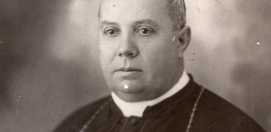Il corpo di monsignor Giovanni Jacono torna nella Diocesi nissena. L'ha guidata per 35 anni