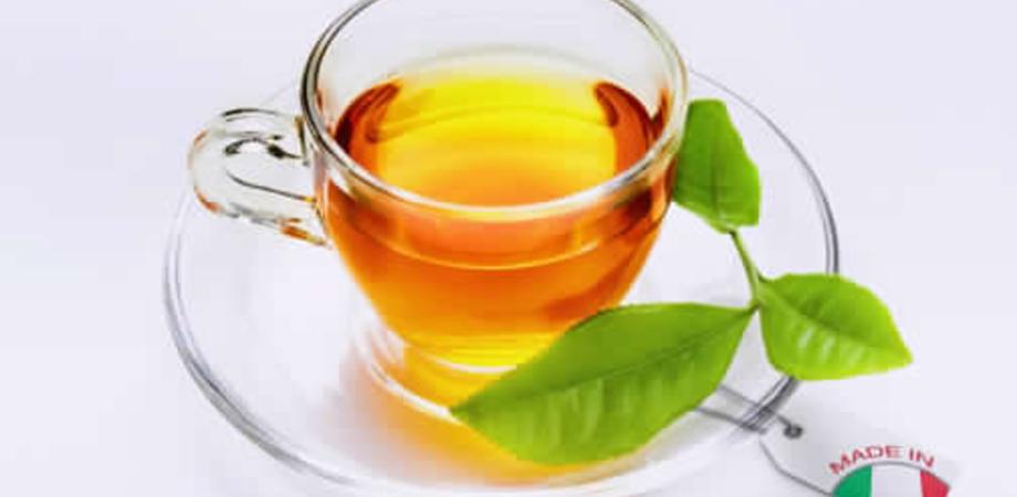 Bere una tazza di té al giorno fa bene al cervello, lo dicono gli scienziati