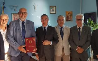http://www.seguonews.it/lancri-incontra-il-sindaco-di-gela-lassociazione-si-prendera-cura-del-tricolore-presente-nei-monumenti-ai-caduti-della-citta